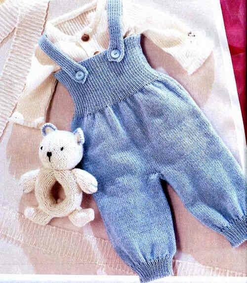 Полукомбинезон спицами для малыша 6 месяцев