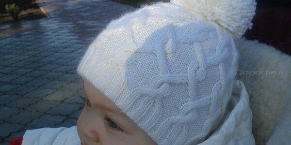 Детская шапка — узор косы спицами